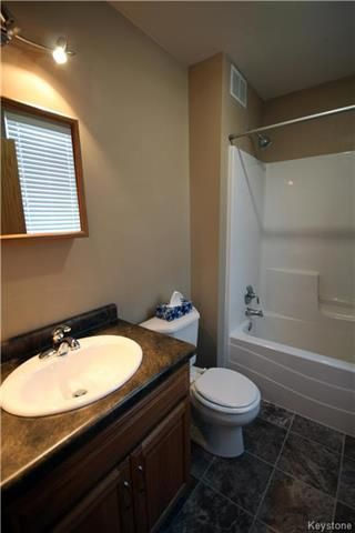 Photo 12: 16 Railway Avenue in Sanford: RM of MacDonald Residential for sale (R08)  : MLS®# 1809986