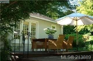 Photo 2: 29 Beach Drive in VICTORIA: OB Gonzales Single Family Detached for sale (Oak Bay)  : MLS®# 213889