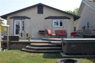 Photo 3: 223 Lynn Lake Drive in Winnipeg: Lakeside Meadows Residential for sale (3K)  : MLS®# 1822208