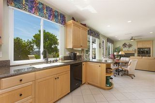 Photo 7: SAN DIEGO House for sale : 4 bedrooms : 5623 Glenstone Way