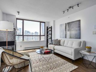"Photo 4: 1708 1003 PACIFIC Street in Vancouver: West End VW Condo for sale in ""SEASTAR"" (Vancouver West)  : MLS®# R2306531"
