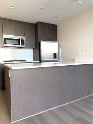 """Photo 3: 308 3333 SEXSMITH Road in Richmond: West Cambie Condo for sale in """"SORRENTO EAST"""" : MLS®# R2309552"""