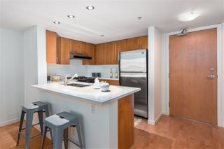 "Photo 12: 306 2161 W 12TH Avenue in Vancouver: Kitsilano Condo for sale in ""The Carlings"" (Vancouver West)  : MLS®# R2319744"