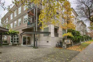 "Photo 2: 306 2161 W 12TH Avenue in Vancouver: Kitsilano Condo for sale in ""The Carlings"" (Vancouver West)  : MLS®# R2319744"