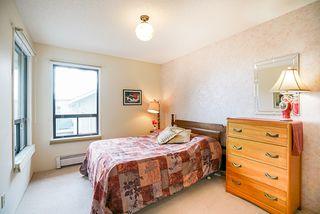Photo 30: 14166 MALABAR Avenue: White Rock House for sale (South Surrey White Rock)  : MLS®# R2330386