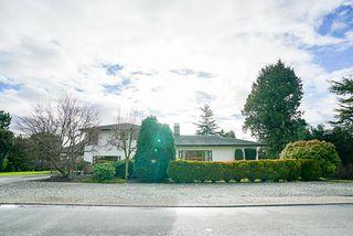 Photo 2: 14166 MALABAR Avenue: White Rock House for sale (South Surrey White Rock)  : MLS®# R2330386