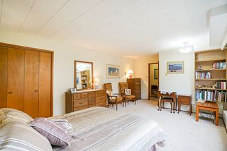 Photo 35: 14166 MALABAR Avenue: White Rock House for sale (South Surrey White Rock)  : MLS®# R2330386