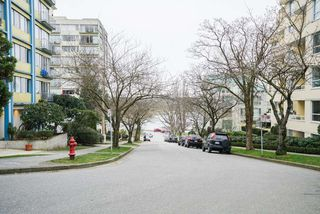 """Photo 19: 101 1396 BURNABY Street in Vancouver: West End VW Condo for sale in """"THE BRAMBLEBERRY"""" (Vancouver West)  : MLS®# R2340187"""