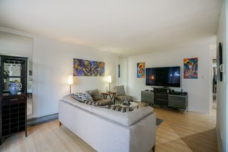 """Photo 2: 101 1396 BURNABY Street in Vancouver: West End VW Condo for sale in """"THE BRAMBLEBERRY"""" (Vancouver West)  : MLS®# R2340187"""