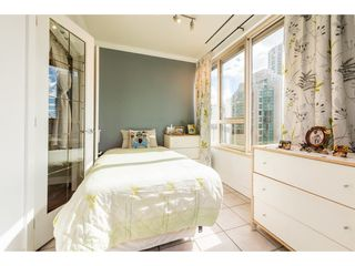 """Photo 11: 805 1177 HORNBY Street in Vancouver: Downtown VW Condo for sale in """"London Place"""" (Vancouver West)  : MLS®# R2352384"""
