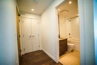 Photo 4: 4310 4670 ASSEMBLY Way in Burnaby: Metrotown Condo for sale (Burnaby South)  : MLS®# R2359869