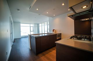 Photo 10: 4310 4670 ASSEMBLY Way in Burnaby: Metrotown Condo for sale (Burnaby South)  : MLS®# R2359869