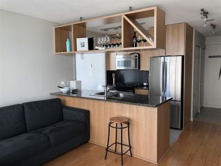 "Photo 4: 1403 1001 RICHARDS Street in Vancouver: Downtown VW Condo for sale in ""MIRO"" (Vancouver West)  : MLS®# R2361718"