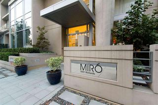 "Photo 10: 1403 1001 RICHARDS Street in Vancouver: Downtown VW Condo for sale in ""MIRO"" (Vancouver West)  : MLS®# R2361718"