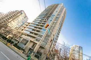 "Photo 1: 1403 1001 RICHARDS Street in Vancouver: Downtown VW Condo for sale in ""MIRO"" (Vancouver West)  : MLS®# R2361718"