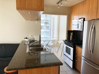 "Photo 6: 1403 1001 RICHARDS Street in Vancouver: Downtown VW Condo for sale in ""MIRO"" (Vancouver West)  : MLS®# R2361718"