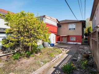 Photo 16: 5557 STAMFORD Street in Vancouver: Collingwood VE House for sale (Vancouver East)  : MLS®# R2365631