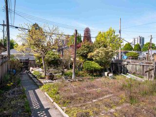 Photo 18: 5557 STAMFORD Street in Vancouver: Collingwood VE House for sale (Vancouver East)  : MLS®# R2365631