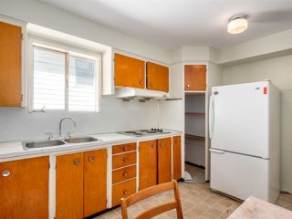 Photo 8: 5557 STAMFORD Street in Vancouver: Collingwood VE House for sale (Vancouver East)  : MLS®# R2365631