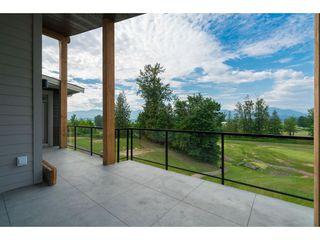 "Photo 2: 12 50778 LEDGESTONE Place in Chilliwack: Eastern Hillsides House for sale in ""SUNRIDGE"" : MLS®# R2372387"