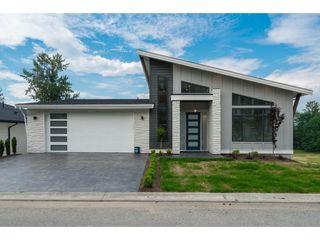 "Photo 1: 12 50778 LEDGESTONE Place in Chilliwack: Eastern Hillsides House for sale in ""SUNRIDGE"" : MLS®# R2372387"