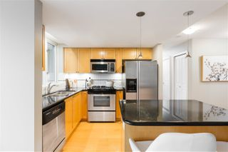 """Photo 5: 409 1425 W 6TH Avenue in Vancouver: False Creek Condo for sale in """"MODENA"""" (Vancouver West)  : MLS®# R2375255"""