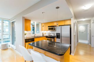 """Photo 6: 409 1425 W 6TH Avenue in Vancouver: False Creek Condo for sale in """"MODENA"""" (Vancouver West)  : MLS®# R2375255"""
