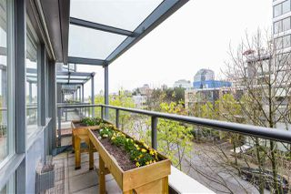 """Photo 14: 409 1425 W 6TH Avenue in Vancouver: False Creek Condo for sale in """"MODENA"""" (Vancouver West)  : MLS®# R2375255"""