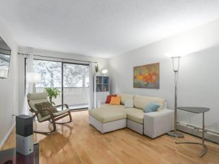 "Photo 2: 208 1515 E 5TH Avenue in Vancouver: Grandview Woodland Condo for sale in ""WOODLANDS PLACE"" (Vancouver East)  : MLS®# R2376599"