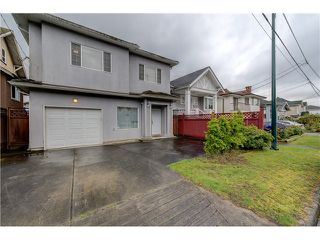 Photo 20: 272 61ST Ave E in Vancouver East: South Vancouver Home for sale ()  : MLS®# V1119950