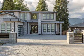 Photo 2: 1125 BARTLETT Avenue in Coquitlam: Harbour Chines House for sale : MLS®# R2376031