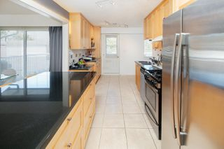 """Photo 9: 8311 ROSEBANK Crescent in Richmond: South Arm House for sale in """"SOUTH ARM"""" : MLS®# R2378772"""