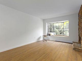 "Photo 3: 6 960 W 13TH Avenue in Vancouver: Fairview VW Townhouse for sale in ""BRICKHOUSE"" (Vancouver West)  : MLS®# R2381516"