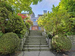 "Photo 2: 6 960 W 13TH Avenue in Vancouver: Fairview VW Townhouse for sale in ""BRICKHOUSE"" (Vancouver West)  : MLS®# R2381516"