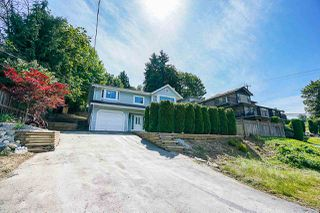 Photo 1: 245 CHESTER Court in Coquitlam: Central Coquitlam House for sale : MLS®# R2381836