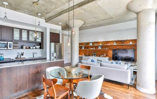 Photo 7: 702 66 Portland Street in Toronto: Waterfront Communities C1 Condo for sale (Toronto C01)  : MLS®# C4489427