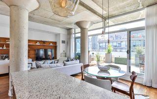 Photo 8: 702 66 Portland Street in Toronto: Waterfront Communities C1 Condo for sale (Toronto C01)  : MLS®# C4489427