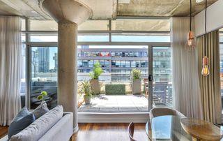 Photo 11: 702 66 Portland Street in Toronto: Waterfront Communities C1 Condo for sale (Toronto C01)  : MLS®# C4489427
