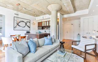 Photo 9: 702 66 Portland Street in Toronto: Waterfront Communities C1 Condo for sale (Toronto C01)  : MLS®# C4489427