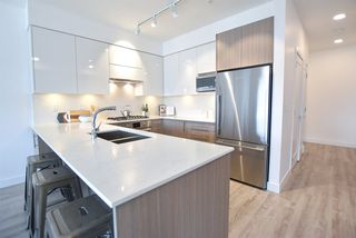 Photo 2: 403 3971 HASTINGS STREET in Burnaby: Vancouver Heights Condo for sale (Burnaby North)  : MLS®# R2388384