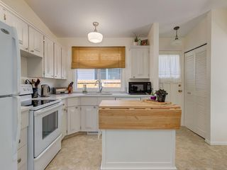 Photo 13: 3048 CEDAR RIDGE Drive SW in Calgary: Cedarbrae Detached for sale : MLS®# C4265970