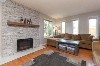 Photo 3: B 2319 Sooke Rd in VICTORIA: Co Wishart North Half Duplex for sale (Colwood)  : MLS®# 827909