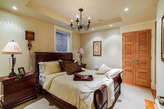 "Photo 17: 15805 COLLINGWOOD Crescent in Surrey: Morgan Creek House for sale in ""MORGAN CREEK"" (South Surrey White Rock)  : MLS®# R2431410"