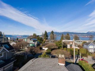 "Photo 3: 4530 BELMONT Avenue in Vancouver: Point Grey House for sale in ""Point Grey"" (Vancouver West)  : MLS®# R2440130"