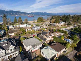 "Photo 17: 4530 BELMONT Avenue in Vancouver: Point Grey House for sale in ""Point Grey"" (Vancouver West)  : MLS®# R2440130"