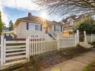 "Photo 4: 4530 BELMONT Avenue in Vancouver: Point Grey House for sale in ""Point Grey"" (Vancouver West)  : MLS®# R2440130"