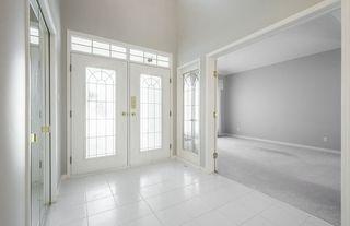 Photo 4: 976 Wallbridge Place NW in Edmonton: Zone 22 House for sale : MLS®# E4197060
