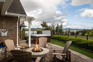 Photo 15: 2067 Hedgestone Lane in VICTORIA: La Bear Mountain House for sale (Langford)  : MLS®# 841529