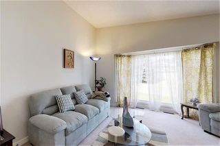 Photo 3: 19 WOODMONT Drive SW in Calgary: Woodbine Detached for sale : MLS®# C4302863