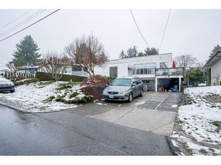 Photo 18: 1121 HAMMOND Avenue in Coquitlam: Maillardville House for sale : MLS®# R2473525